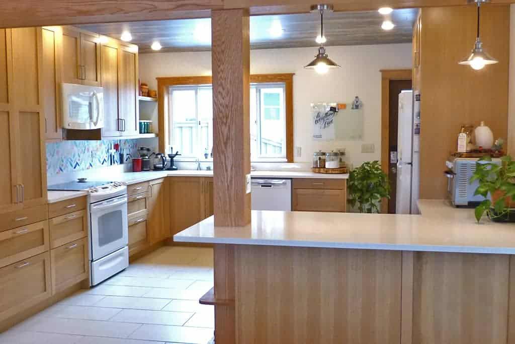 Sektion- Solid Wood Shaker, Quarter Sawn Oak